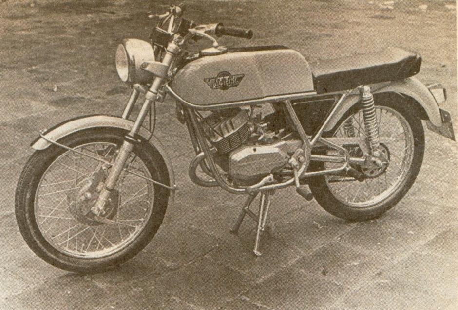 Jamathi motorfiets en crossmotor